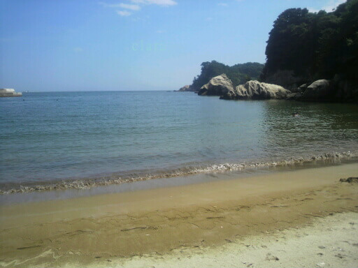 プライベートビーチみたいな月浜の砂浜