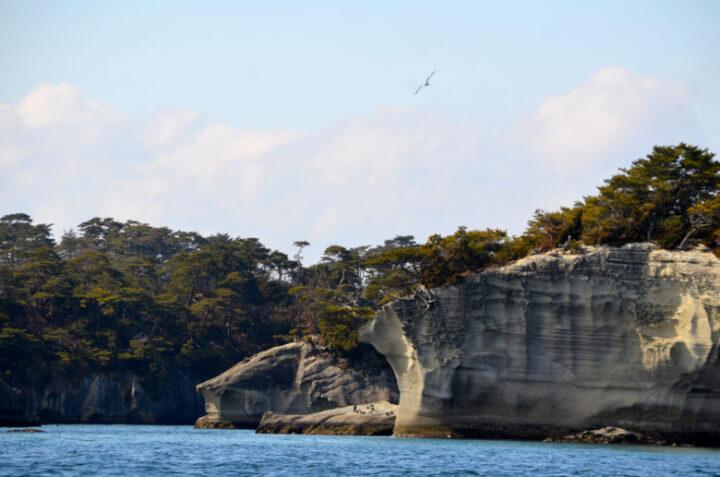 嵯峨渓遊覧船から眺める嵯峨渓の風景