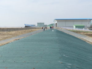 松島基地東側のブルーインパルス撮影スポットの土手