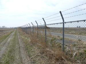 松島基地東側のフェンス