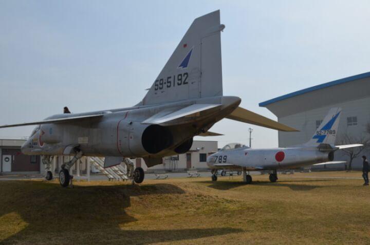 松島基地ブルーインパルス展示機後方